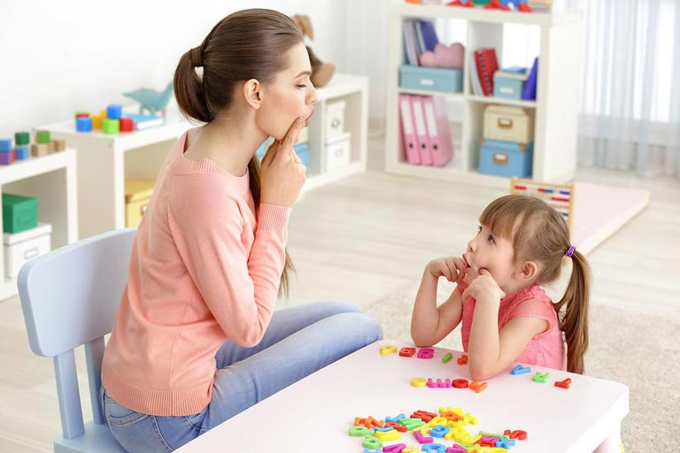 10 راه کار موثر در درمان لکنت زبان کودکان
