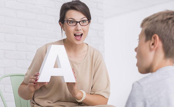 معرفی ده راهکار اساسی برای درمان لکنت زبان