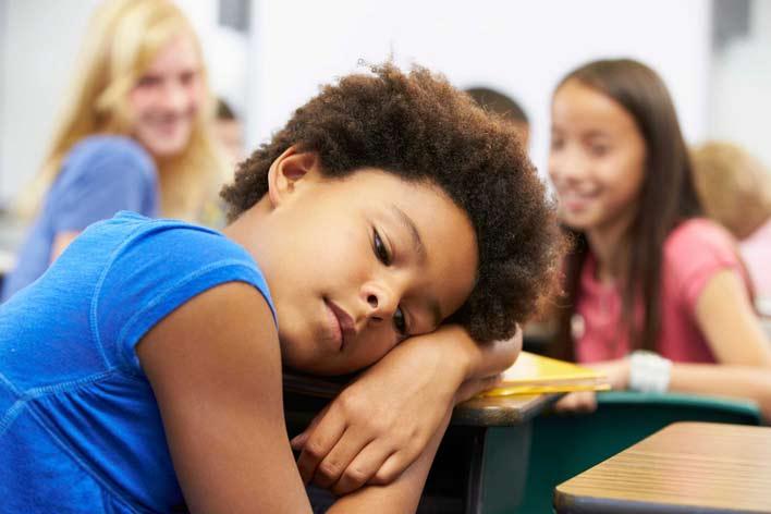 وضعیت کودک خود در مدرسه را بطور منظم پیگیری کنید