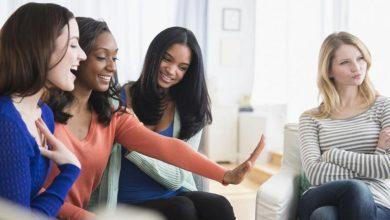 حسادت زنانه چیست؟ چگونه آن را درمان کنیم؟