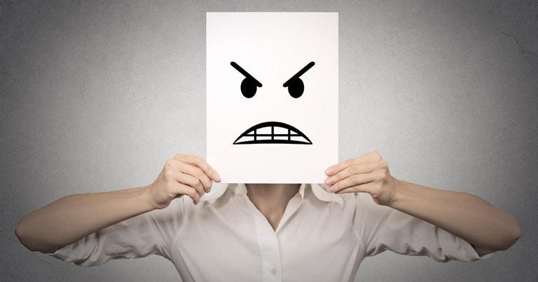 10 کار مهمی که در عصبانیت شدید باید انجام دهید + عوارض عصبی شدن