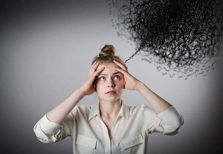 وسواس فکری چیست ؟ علائم و روشهای درمان