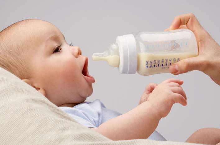 گرسنگی و تشنگی یکی از دلایل بی خوابی نوزادان