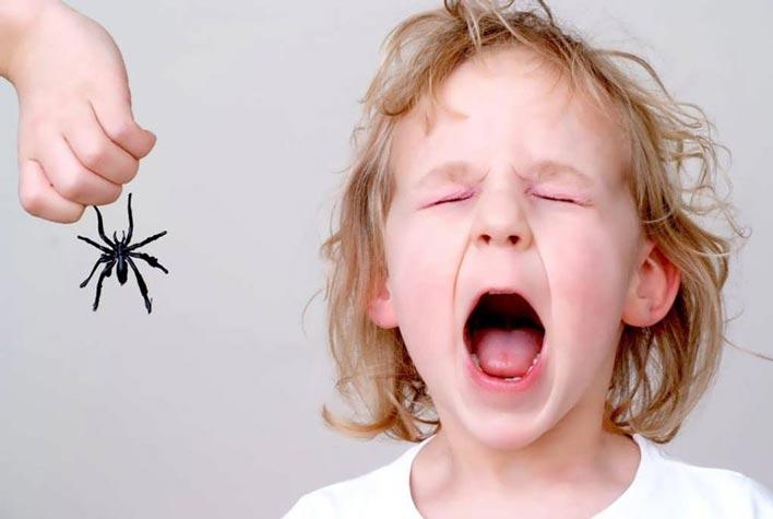 ترس های خود را در مقابل فرزندتان بروز ندهید