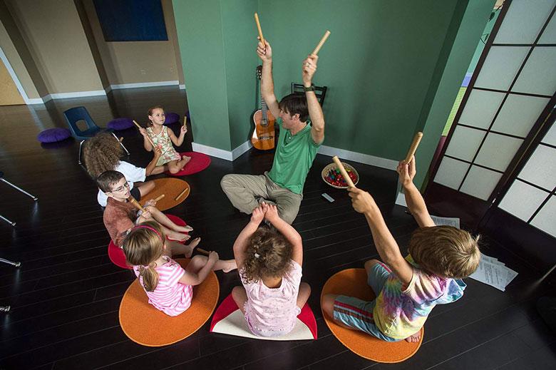 تاثیر موسیقی درمانی در کودکان اوتیسم