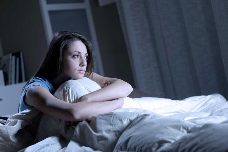 علت بی خوابی شبانه و راهکار درمان آن