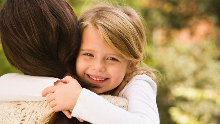 ارتباطی دوستانه با فرزند خود برقرار کنید