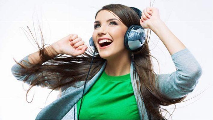 موسیقی گوش کنید