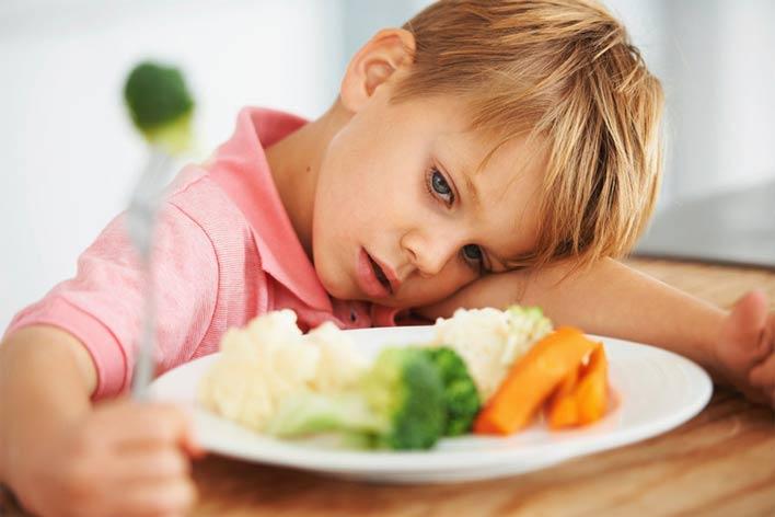 10 روش موثر برای درمان بی اشتهایی کودکان