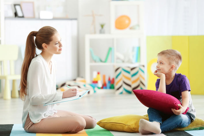 در چه مواردی باید از مشاوره کودک استفاده کرد