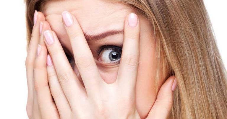 فوبیا چیست؟ آشنایی با انواع فوبیا و ترس + راهکارهای درمان