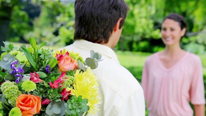 خوش خلقی و گذشت همسر برای جلوگیری از طلاق