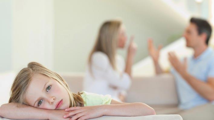 پیامدهای شایع طلاق والدین بر دختران