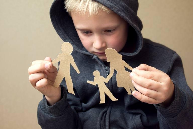 تاثیرات مخرب و مشکلات طلاق بر روی کودکان