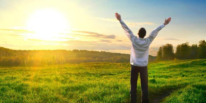 برای موفقیت در قانون جذب ثروت بخشنده باشید