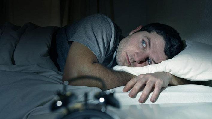 علت و درمان بی خوابی شبانه